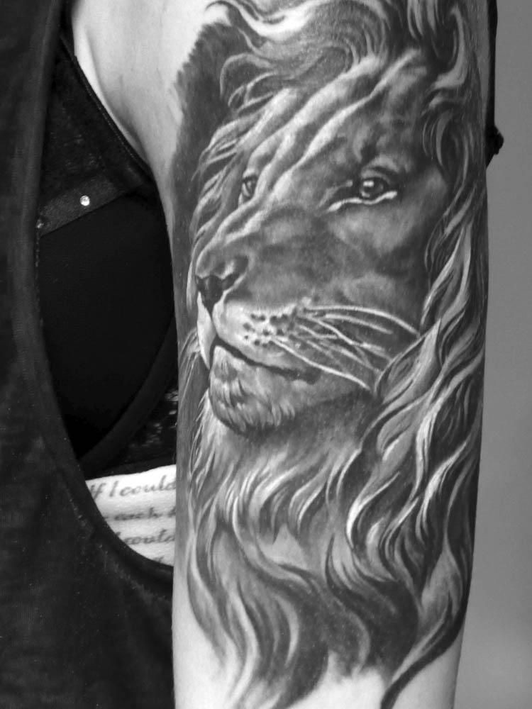 stargate-tattoo-muenchen_tattoo-black-and-white-impressionen-06