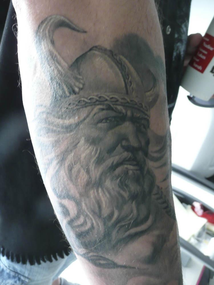 stargate-tattoo-muenchen_tattoo-black-and-white-impressionen-40